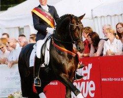 dressage horse Kaiserdom (Trakehner, 1999, from Van Deyk)